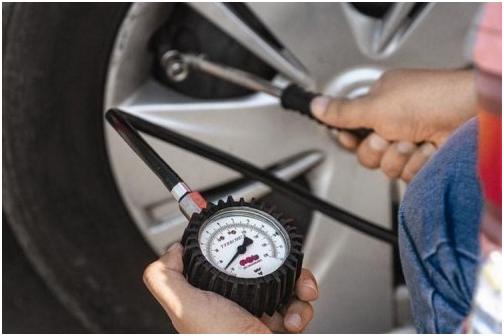 Cần dịch vụ vá lốp ô tô tại nhà - Liên hệ: 0938.724.247 2