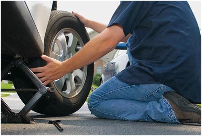 Hướng dẫn thay bánh xe ô tô dự phòng nhanh và những điều cần lưu ý 2
