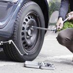 Thay lốp ô tô dự phòng như thế nào?